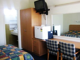 Sandbelt Club Hotel - Kempsey Accommodation