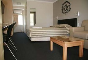Queensgate Motel - Kempsey Accommodation