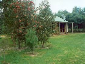Murray's Country Cottages - Kempsey Accommodation