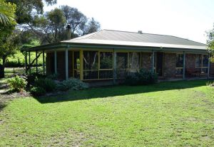 The Beach House - Normanville - Kempsey Accommodation