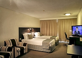 St Ives Hotel - Kempsey Accommodation