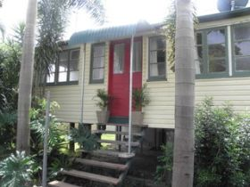 The Red Ginger Bungalow - Kempsey Accommodation