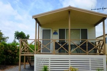 Belmont Pines Lakeside Holiday Park - Kempsey Accommodation