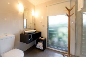 Blackwattle Luxury Retreats - Kempsey Accommodation