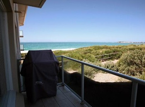 Beachfront Narrabeen - Kempsey Accommodation