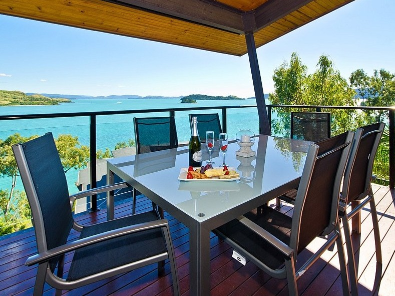 Hamilton Island 'Shorelines' Apartment - Kempsey Accommodation