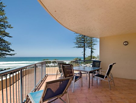 Coolum Baywatch Resort - Kempsey Accommodation