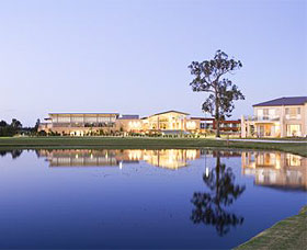 The Crowne Plaza Hotel - Kempsey Accommodation