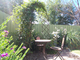Robyn's Nest Country Cottages - Kempsey Accommodation