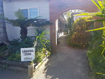 Bentley Waterfront Motel amp Cottages - Kempsey Accommodation