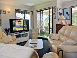 WOMBATS BB - Apartments - AAA 3.5 rated Gosford - Kempsey Accommodation