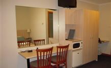 Tudor Inn Motel - Hamilton - Kempsey Accommodation
