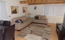 Cedar Pines Cottages - Kempsey Accommodation