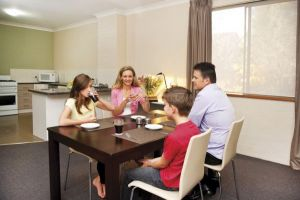 Oxley Court Apartments - Kempsey Accommodation