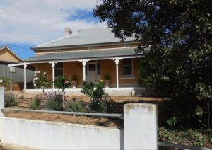 Book Keepers Cottage Waikerie - Kempsey Accommodation
