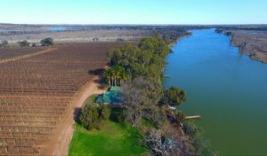 Mundic Waterfront Cottages - Kempsey Accommodation