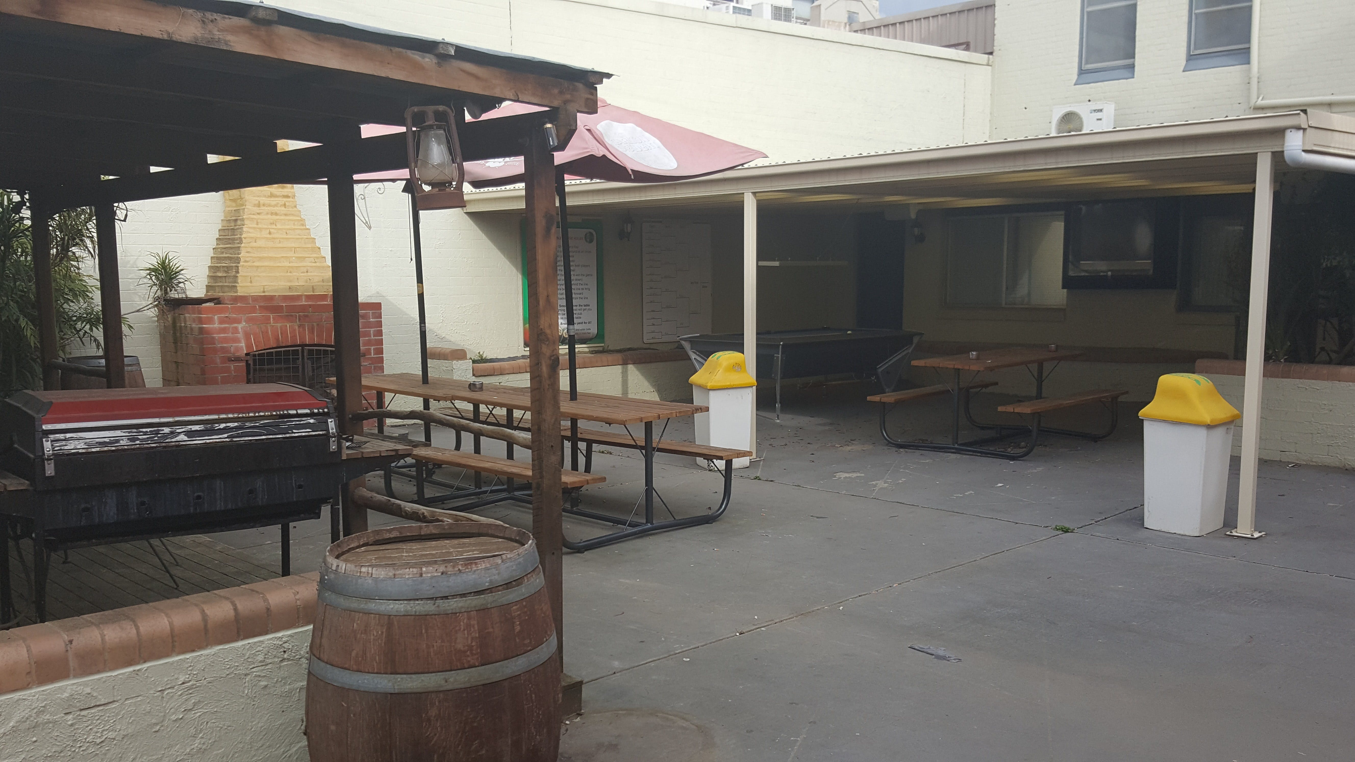Great Eastern Hotel Motel Young - Kempsey Accommodation