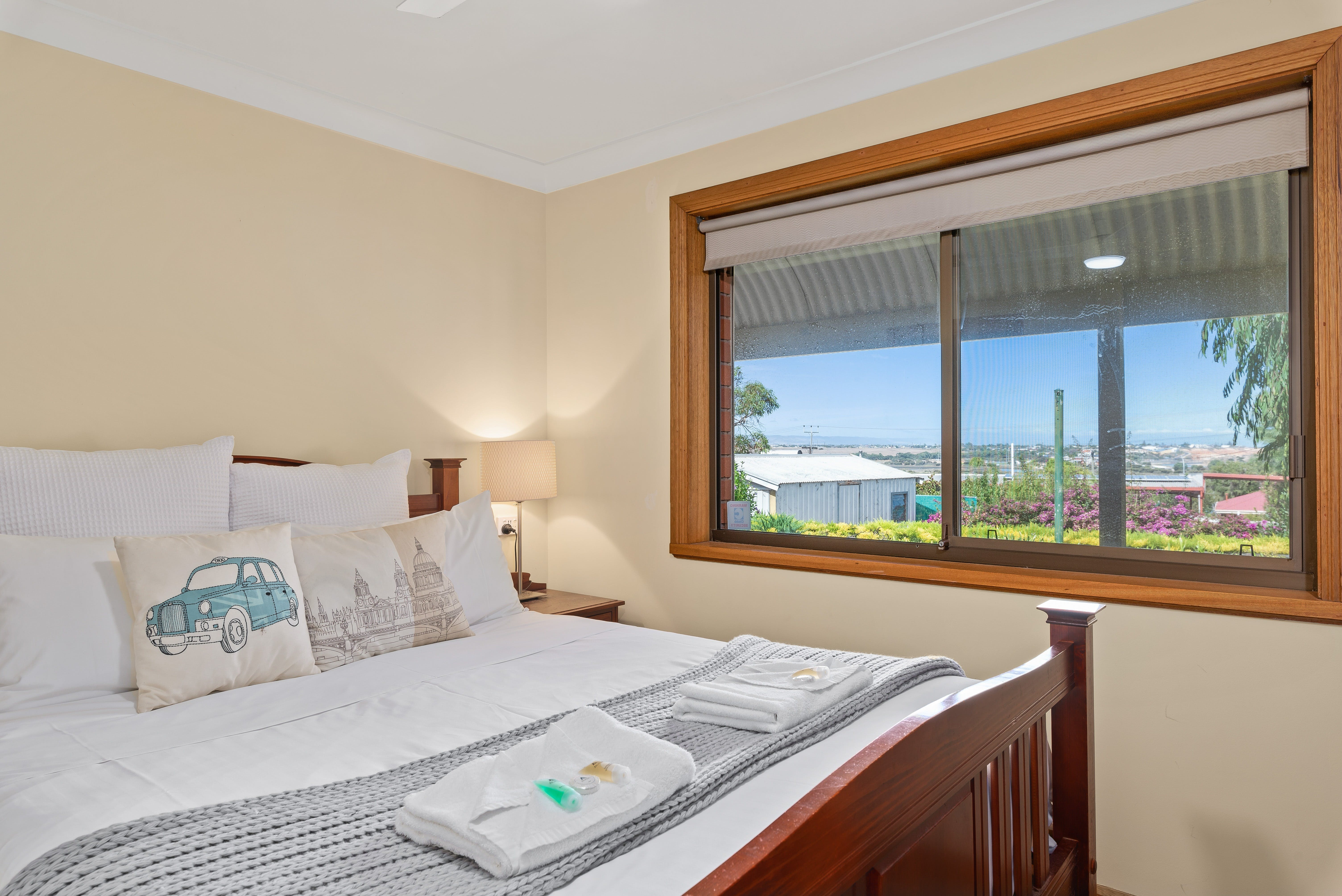 Century21 SouthCoast Reef  Vines Port Noarlunga - Kempsey Accommodation