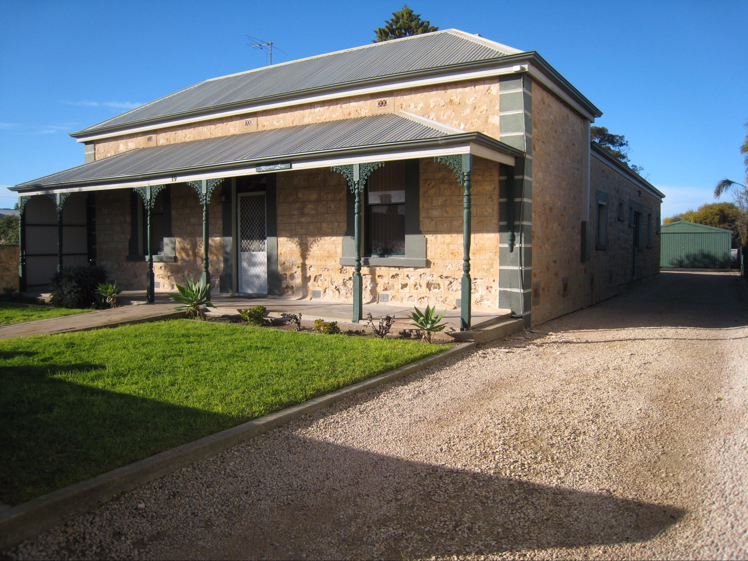 Kingfisher Lodge Edithburgh - Kempsey Accommodation