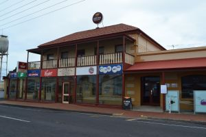 Victoria Hotel Port McDonnell - Kempsey Accommodation