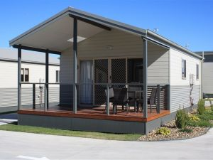 Bowlo Holiday Cabins - Kempsey Accommodation