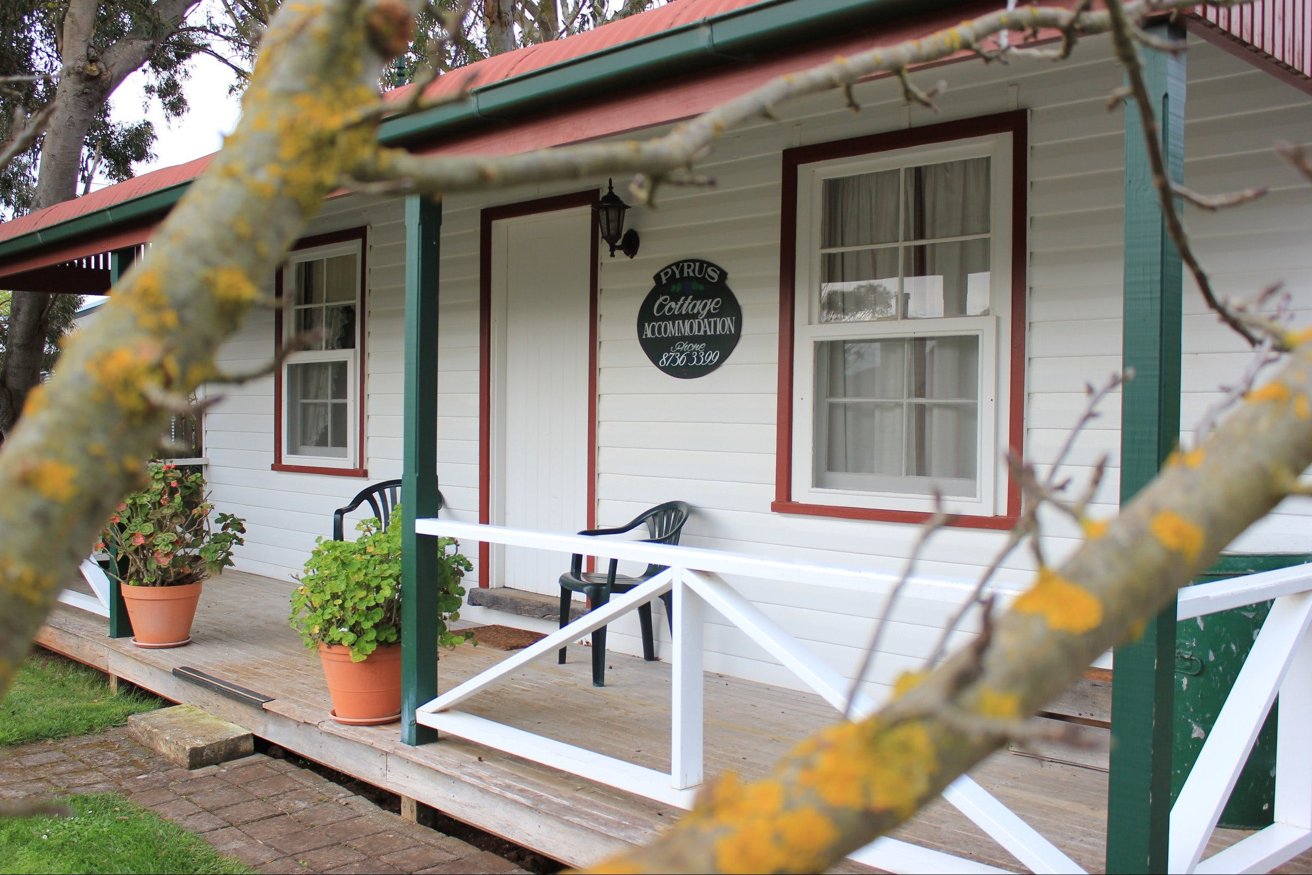 Coonawarra's Pyrus Cottage - Kempsey Accommodation