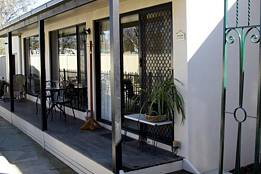 Courtside Cottage Bed and Breakfast - Kempsey Accommodation