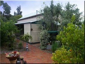 Trafalgar Cottage - Kempsey Accommodation