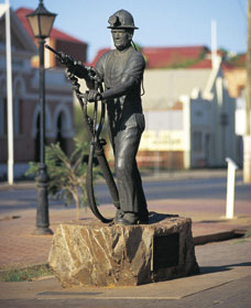 Miners Monument - Kempsey Accommodation