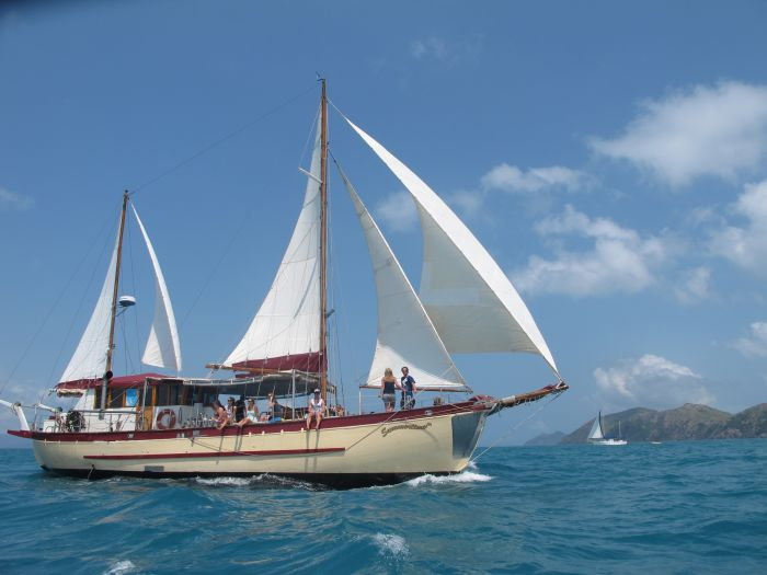 Adventure Cruise Dive and Outer Reef - Whitsundays Sailing Adventures - Kempsey Accommodation