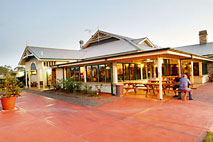 Potters Hotel and Brewery - Kempsey Accommodation