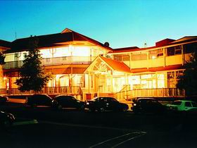 Loxton Community Hotel Motel - Kempsey Accommodation