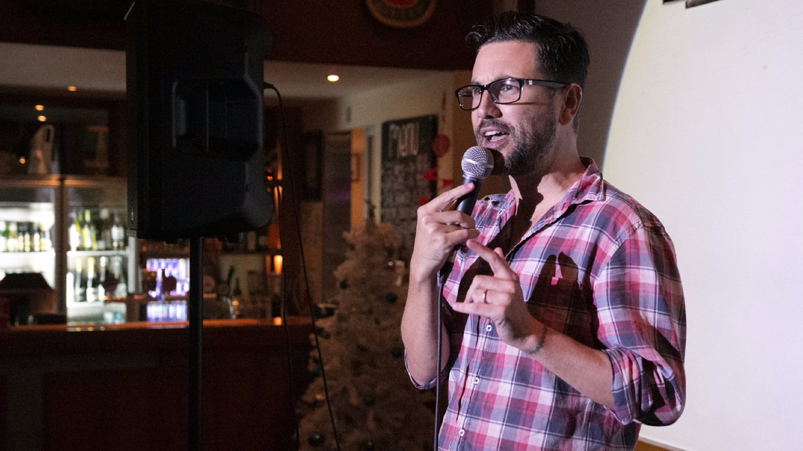 Based Comedy at the Dog and Parrot Tavern - Kempsey Accommodation