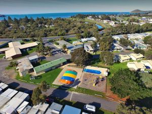 Victor Harbor Holiday  Cabin Park - Kempsey Accommodation
