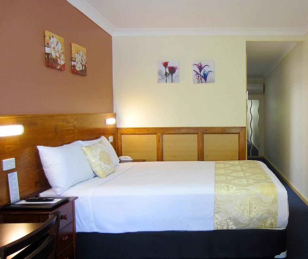 Highway Motor Inn Taree - Kempsey Accommodation