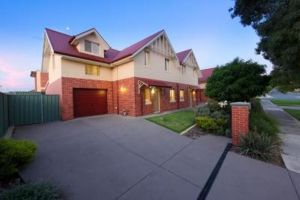 Albury Suites - Schubach Street - Kempsey Accommodation