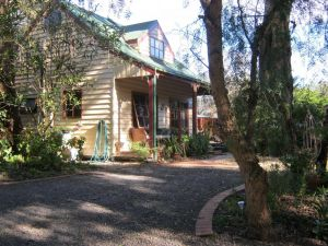 Ballarat cottages incorporating yarrowee cottage and Admirals cottage - Kempsey Accommodation